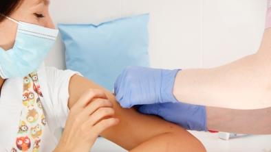 В Краевом центре охраны материнства и детства проходит ежегодная прививочная кампания
