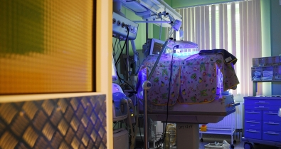 «Колыбель жизни»: как в Красноярске выхаживают младенцев с весом менее килограмма