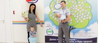 В краевом центре охраны материнства и детства выписали 19-тысячного малыша