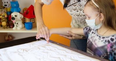 Детская онкология:  основные причины возникновения, как ее обнаружить у ребенка и что с этим делать