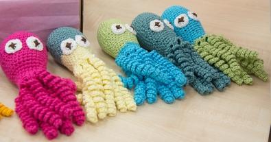Краевой центр охраны материнства и детства поддержал всемирную акцию игрушек-осьминожек для недоношенных детей