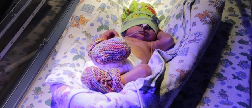 В первый месяц лета в краевом перинатальном центре родилось 210 малышей
