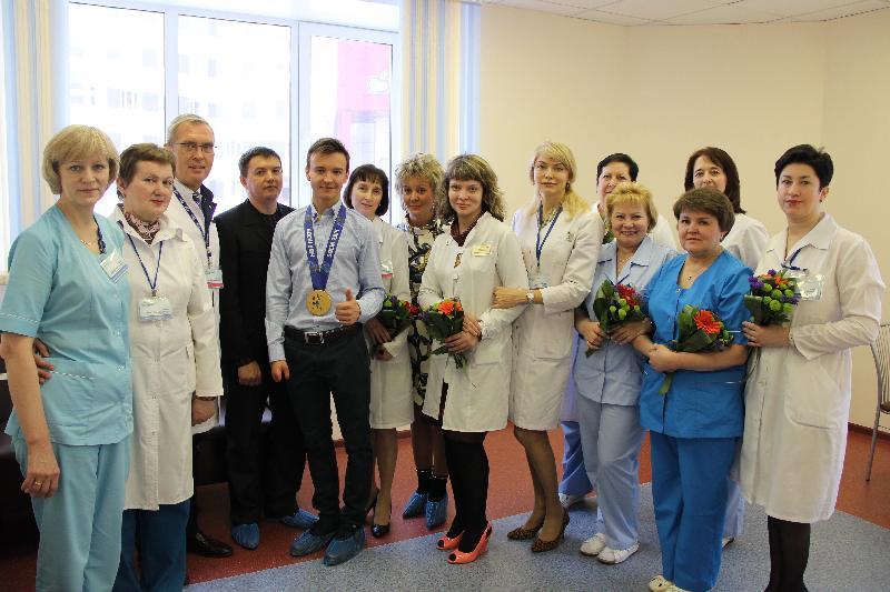 В честь международного дня медицинской сестры в краевой больнице наградили лучшие сестринские коллективы и